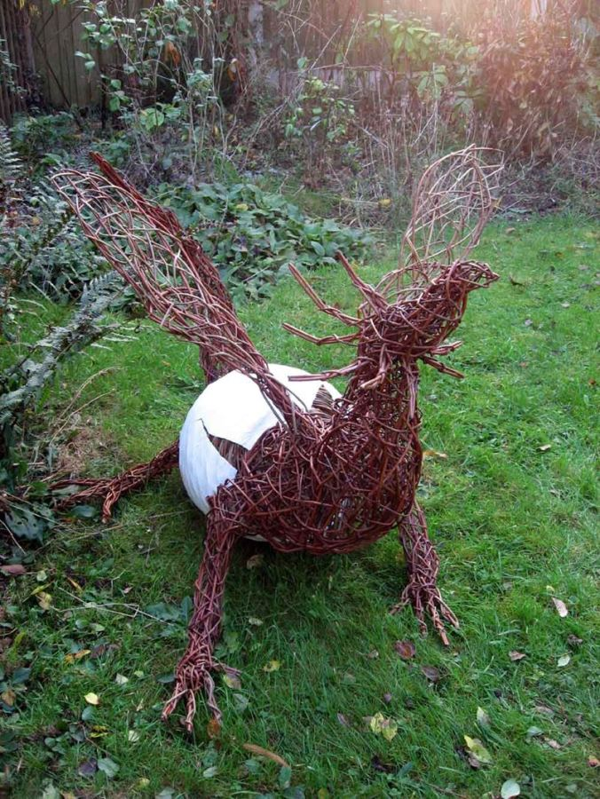 birth-of-a-dragon-willow-sculpture