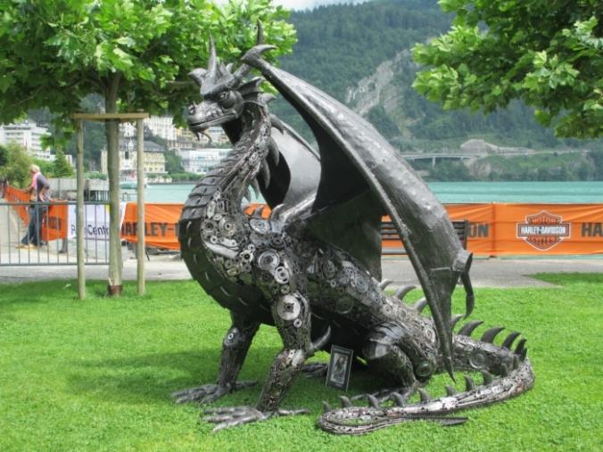 dragon-sculpture-2012-recycle-art